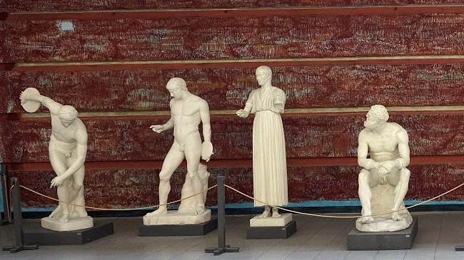 plaster cast collections of ancients sculptures